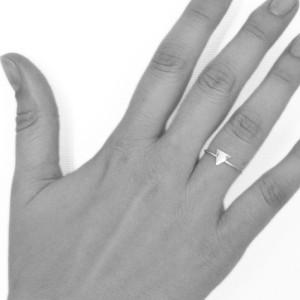 ring-dreieck-hand