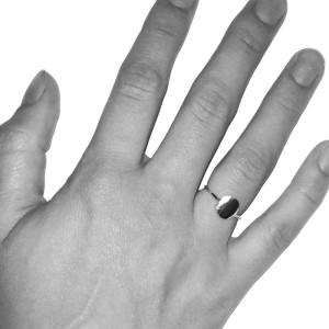 ring-circle-hand